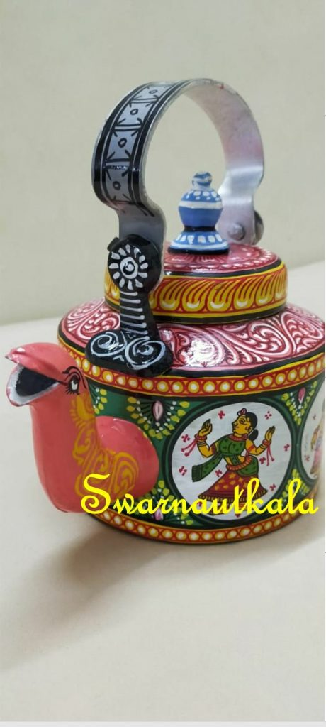 Old Kettles reused as home decor item